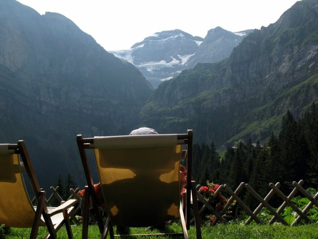 Relaxing On Terra Firma @ Bonvau